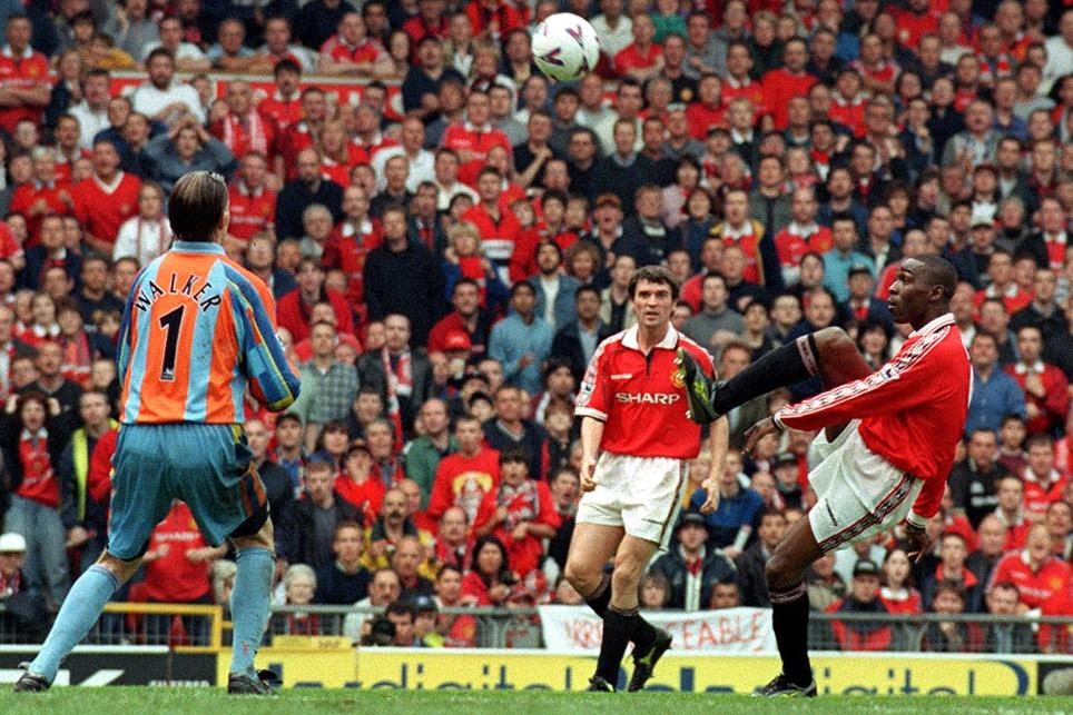 #OnThisDay 1999: @vancole9 scores the winning goal in a 2-1 victory against Spurs which seals the Premiership title. The start of an amazing 10 days. #MUFC #Treble99 https://t.co/NPCfggljAR