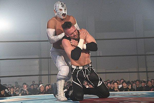 "NJPW: ""Best of the Super Jr 26"" Día 4, cuatro hombres se despegan 5"