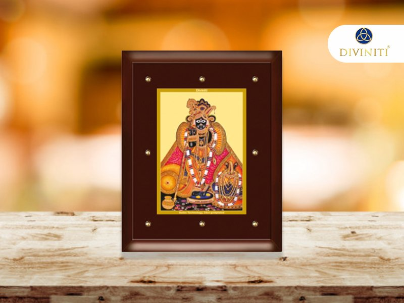 The #Mysterious Story of #BankeBihari Temple  See This Helpful Information 👇 https://bit.ly/2VpBSaV #divine_gifts_online   #radha_krishna_gift_items_online #spiritual_gifts