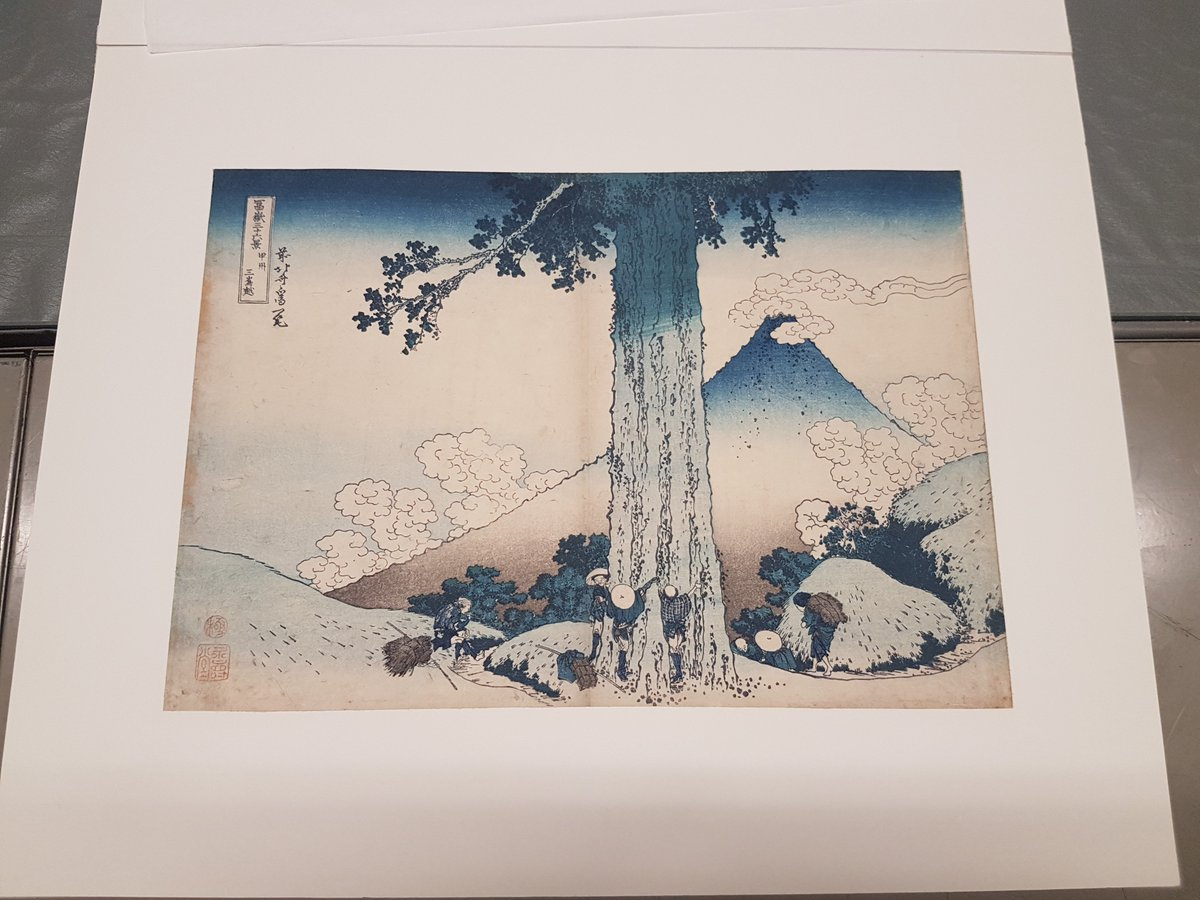 (Thread) Some more colours for #MuseumWeek, #RainbowMW!  Marc Vermeulen, postdoctoral researcher at @metmuseum, is currently conducting research on some of our Japanese prints, the '36 views on Mount Fuji' by Hokusai.
