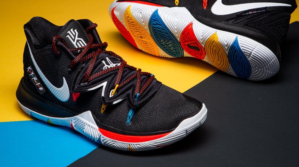 doin?? 👀 Nike Kyrie