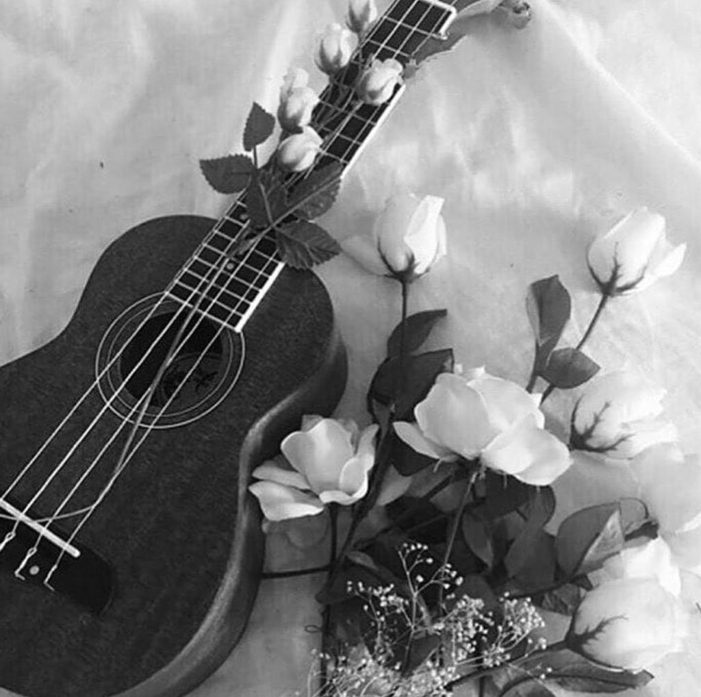 ~ Chapi ~'s photo on #JuevesMusicales