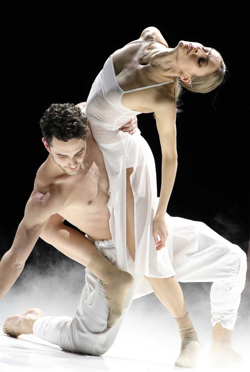 toitoitweet > dansers LEVE LARBI > geniet in @TheaterOrpheus #Apeldoorn vanavond! > introdans.nl/leve-larbi