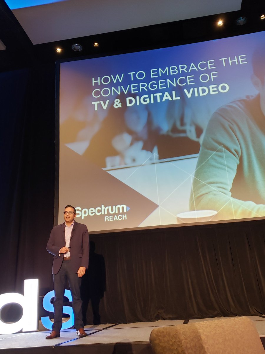 How is digital transforming television? Let&#39;s find out... #DSKC <br>http://pic.twitter.com/C93xSftEdB