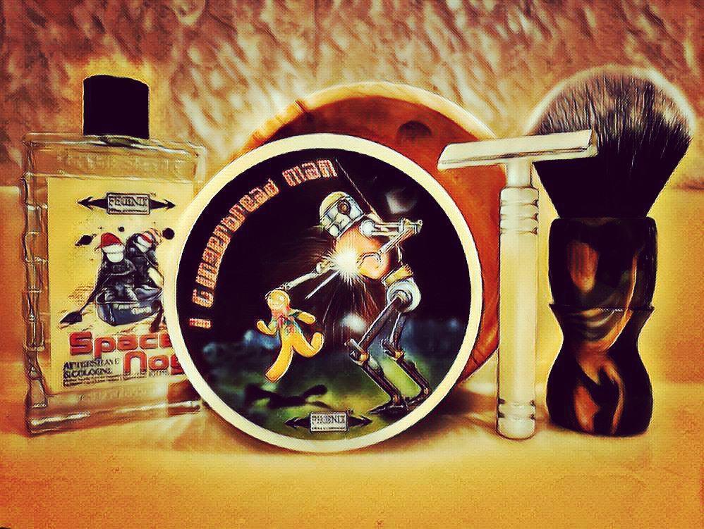 "#ThirstyThursday #PremiereSOTD #NewToMe with ""I, Gingerbread Man"" Shaving Soap & ""Space Nog"" Aftershave by Phoenix Shaving @Phoenix_Shaving ~ Bowl & brush by Colorado Razor Designs ~ SE Razor by Mongoose #WetShaving"