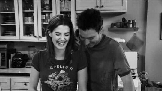 Somethings never change.  #himym #cobiesmulders #joshradnor <br>http://pic.twitter.com/XujNzZLma4