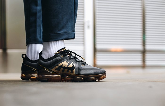 4550e9f1dc9653 ... rediculously clean colourways of the Nike Air VaporMax 2019 from Nike  CA for 30% off + free shipping! https   bit.ly 2Lp2x7N pic.twitter .com 1Fgv0Y0lr8
