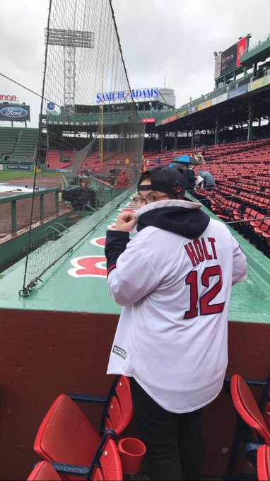 Today s my 21st birthday! I d CRY if Brock Holt could wish me a happy birthday. I LOVE HIM