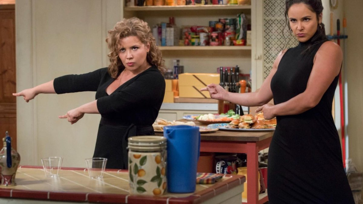 Efforts to find a new home for praised comedy series #OneDayAtATime continue  https:// bit.ly/2Hx5ttP  &nbsp;  <br>http://pic.twitter.com/3w8vcCRs0e
