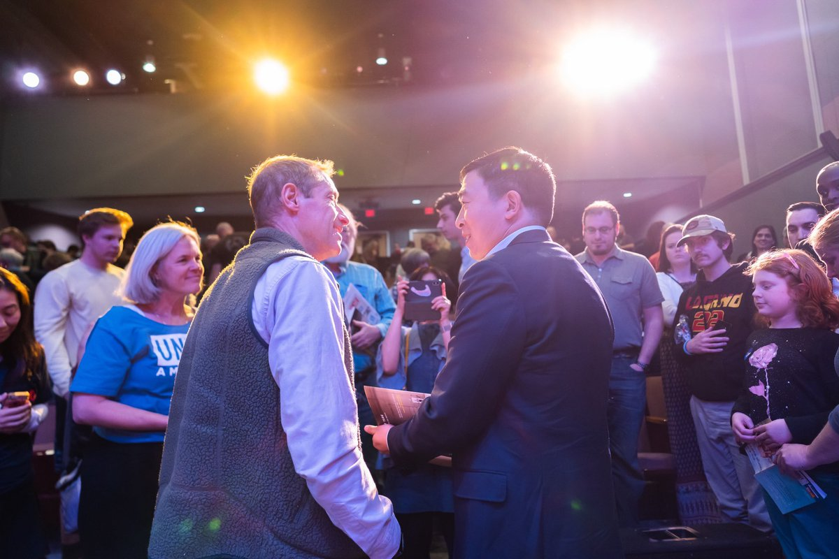 I'm with U.S. Presidential candidate @AndrewYang in New Hampshire. He's never held elected office yet is polling at 3% and drawing huge crowds. I've now met 12 or the 20 candidates qualified for the first Democratic debates in June. Photo: Yang2020