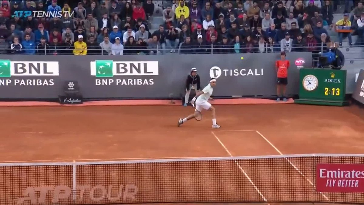 What type of sorcery is this???   😲😲😲 @rogerfederer   #ibi19