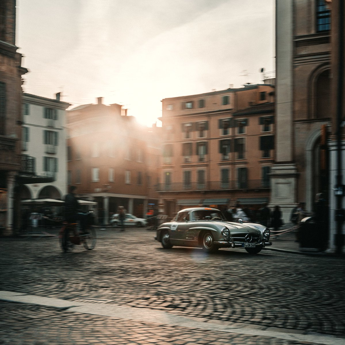 Welcome to our daily update from Italy or as we like to call it during the #MBmille: The 300 SL country 😎 #MBclassic