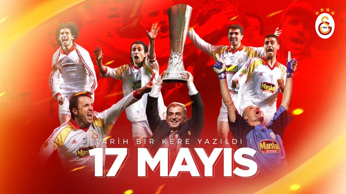Türkiye'de kupalara 4 yıl boyunca ambargo koyan Galatasaray, bu başarısını Avrupa'da devleri dize getirerek kazandığı UEFA kupasıyla taçlandırdı.Ve Türkiye'de hiçbir takım Galatasaray olamadı...#TarihBirKereYazıldı