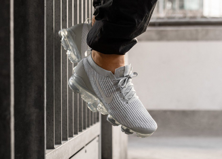 2a31f2c302f142 ... of the light and airy Nike Air VaporMax Flyknit 3 now available on Nike  CA for  250 + free shipping https   bit.ly 2HkIzqJ pic.twitter .com exFYOUBNTk