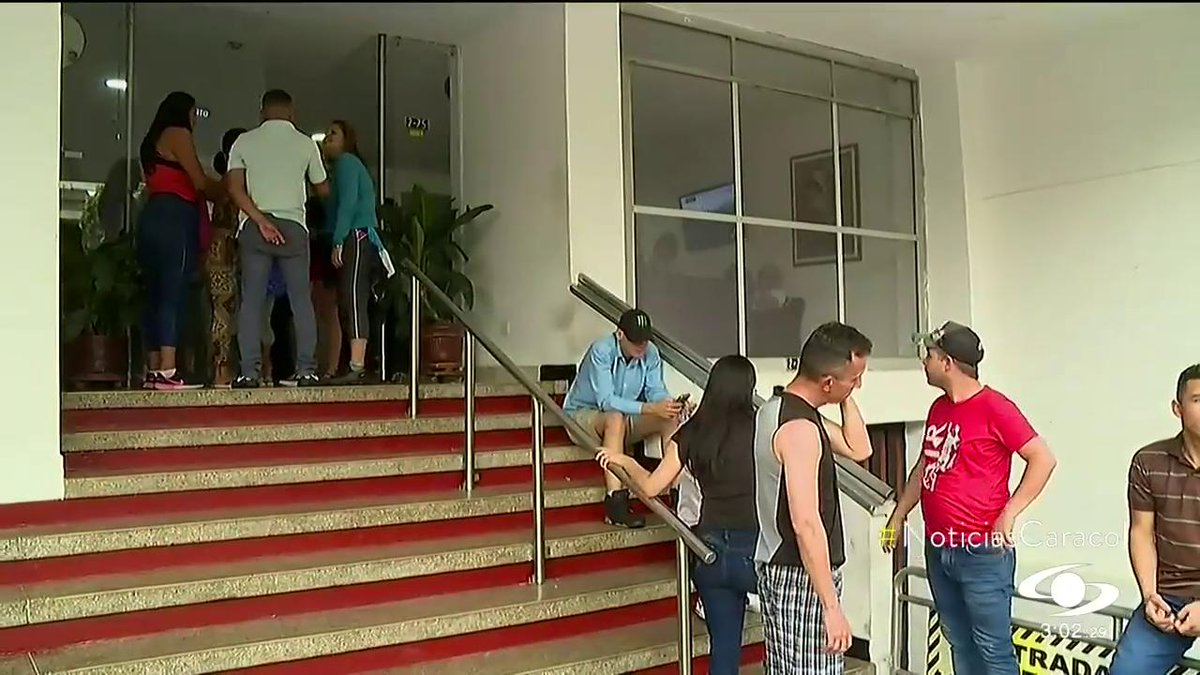 Militares venezolanos desertores se acogieron a plan del gobierno para brindarles permisos de trabajo http://noticiascaracol.com