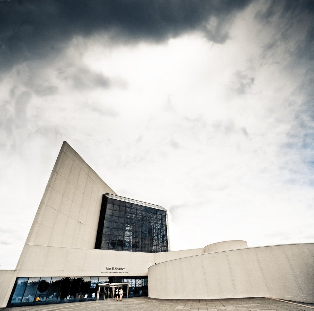 I.M. Pei was as much a consummate salesman as a designer, famous for wooing Jackie Kennedy to choose him over Louis Kahn & Mies van der Rohe for JFK Library by redecorating his offices in her favorite colors before meeting with her.