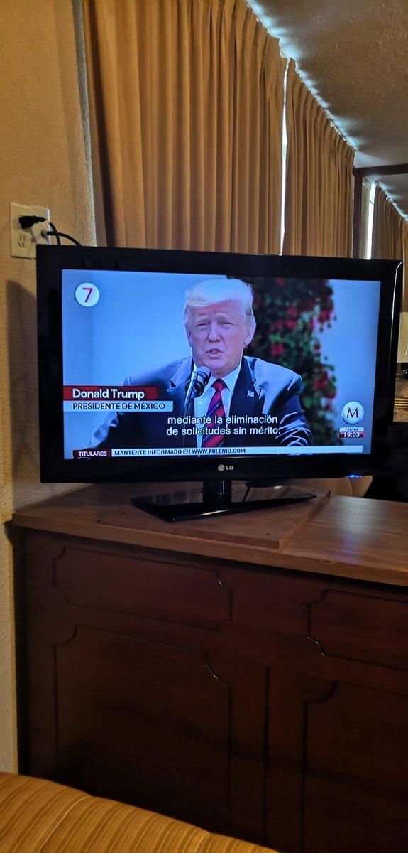 Qué onda con @Milenio Trump presidente de México #milenio jajajajajaja