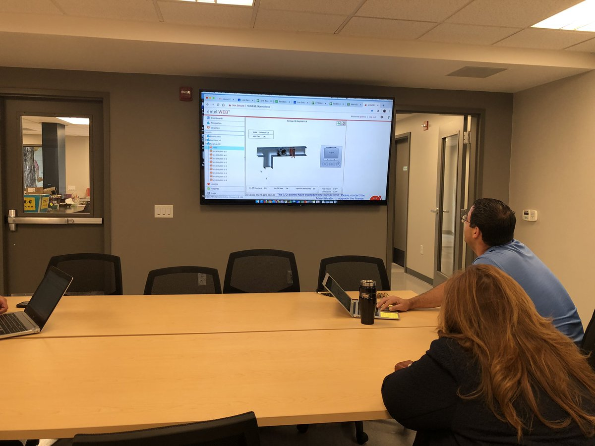 Learning online portal for HVAC w/ @mrtpalma whole new area for me. @LosGatosHigh @LGSUHSD #LGSUHSD #golgcats @saratoga_high #gofalconpower #1CoolThing<br>http://pic.twitter.com/favd3NggkG