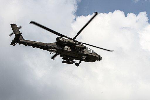 المغرب مهتم بمروحيات AH-64 Apache الامريكيه  D6vEdquV4AAQ3MH