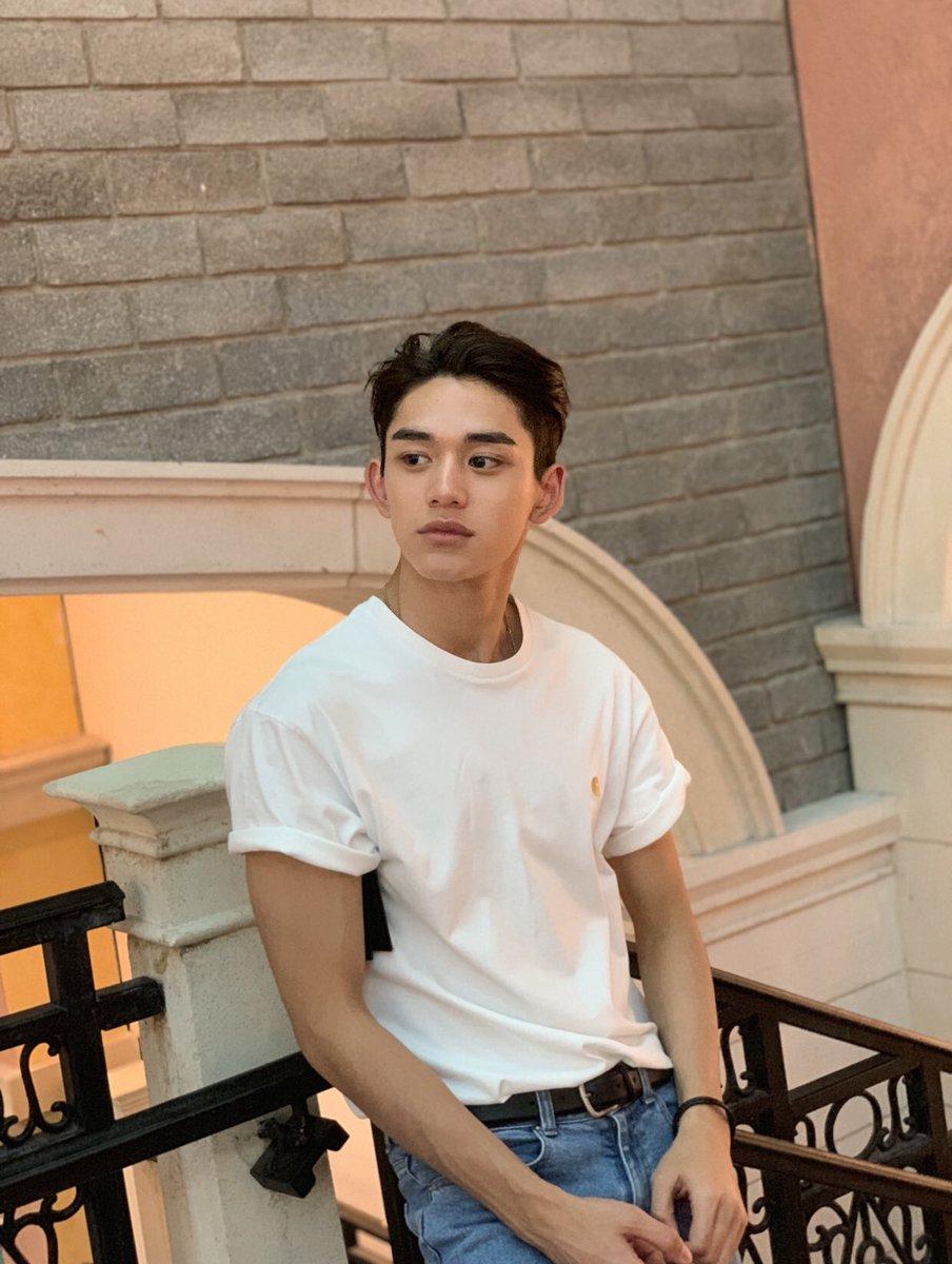"Wayv On Twitter Lucas Weibo Repost Where Are You Now Wayv Weishenv Ũç¥žv Lucas É»""旭熙"