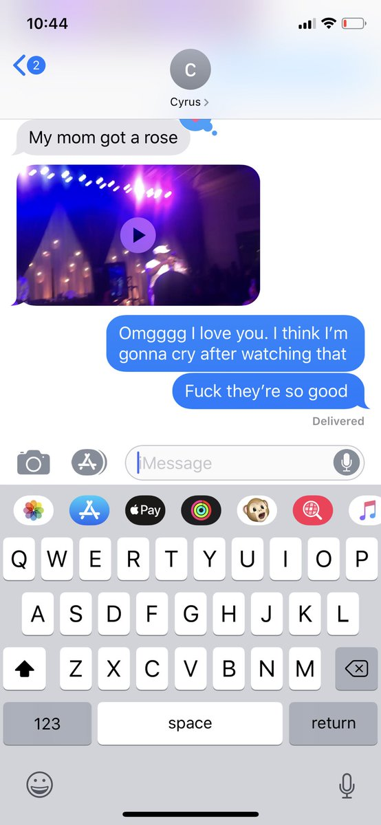 SO jealous of my coworkers seeing Boyz II Men tonight. But thankful my boi @cwes93 sent me a video. SO GOOD 😭