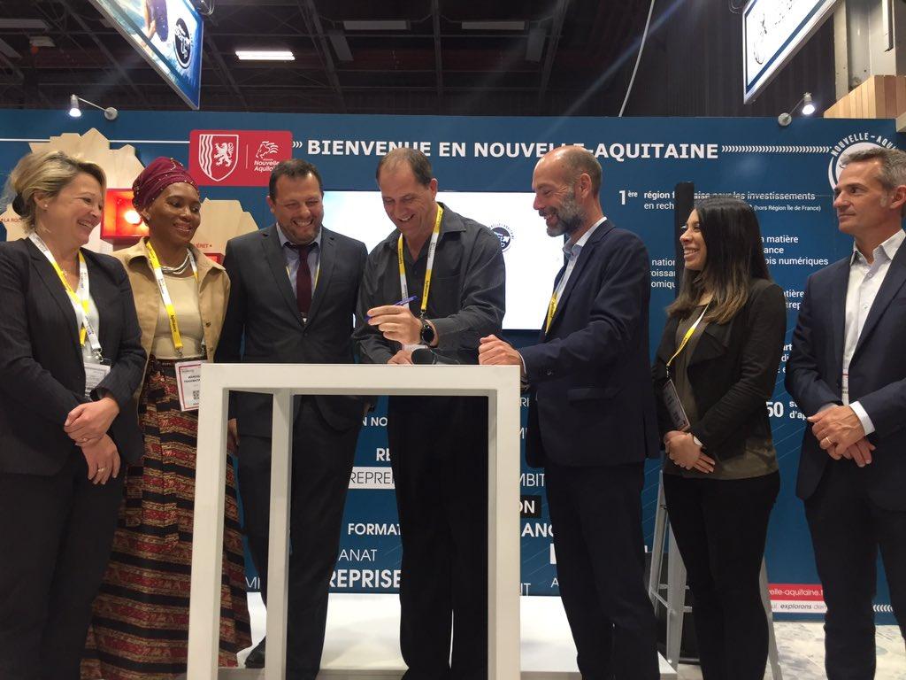 🖌🌍 Signature d'un accord de partenariat avec le @TheLaunchLab, incubateur de la célèbre université de @StellenboschUni en Afrique du Sud 🇿🇦 et @Inno_vin pour faire fonctionner les synergies à l'#international #VivaTech #VivaTechnowest