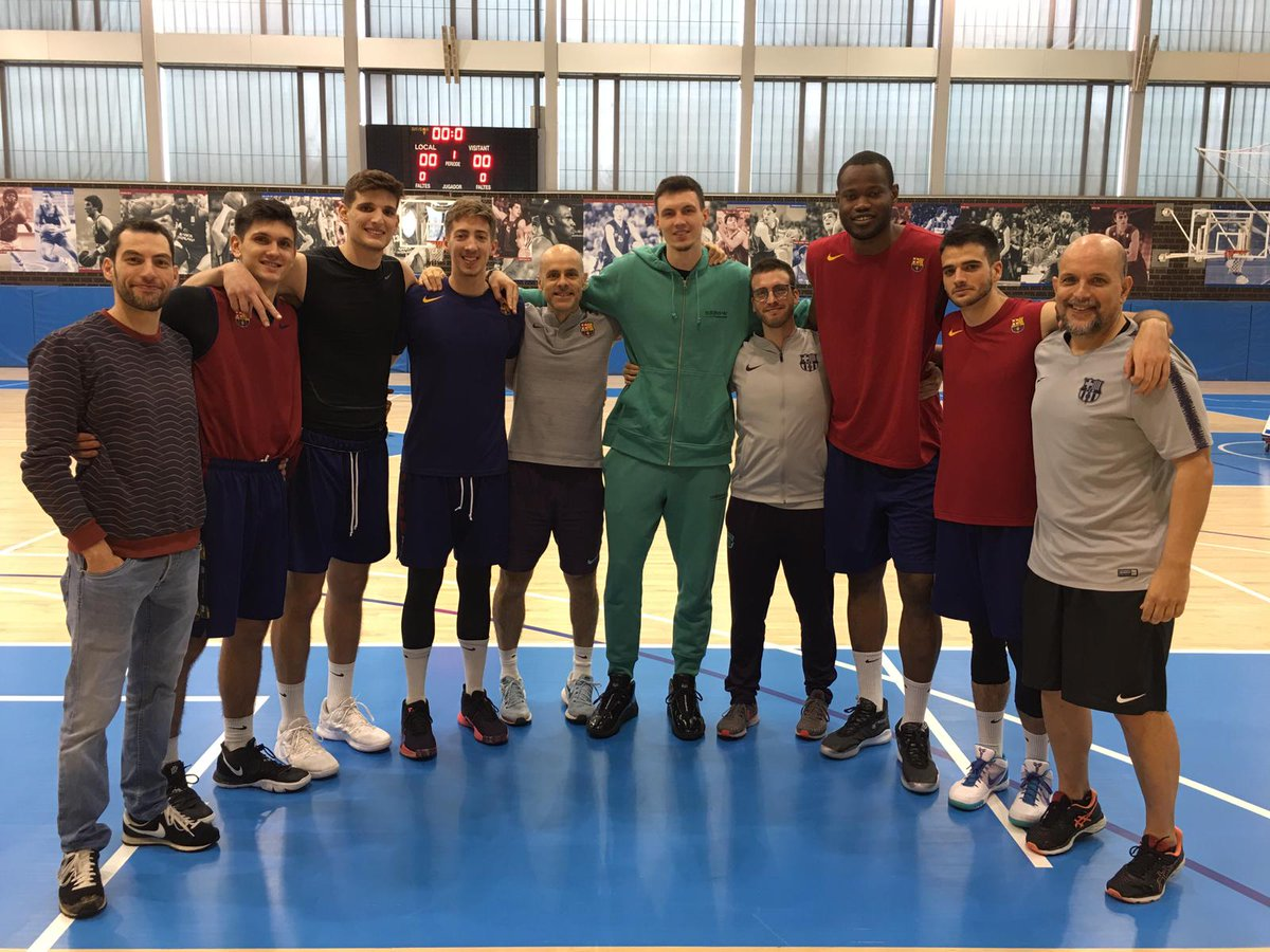 What a great surprise to see you again @RODIONS1! Congratulations for your amazing rookie season in #nba playing with @BrooklinNets. Thanks for visiting us at @FCBbasket Academy Arena! #ifhedieshedies