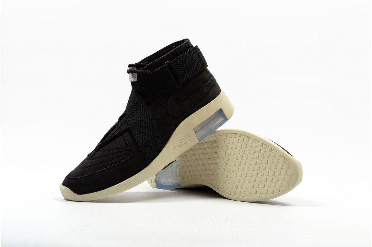16c15f226aa6 ... x Nike Air Air Raid http   tinyurl.com y3h2xcof Moc  Beige http   tinyurl.com y638sy6l Moc Black http   tinyurl.com y3cqut4y pic. twitter.com rKLaTbdFdD