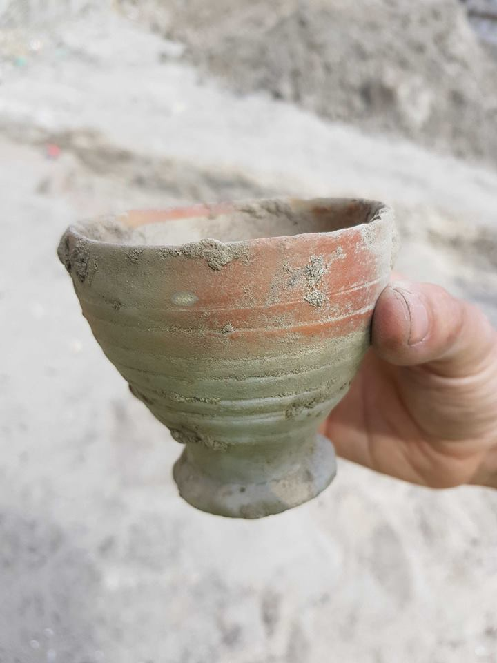 Fourth: a drinking cup. This cup is made of sandstone and was made in Siegburg, Germany. It dates back to the 15th century.  #MuseumWeek #ExploreMW