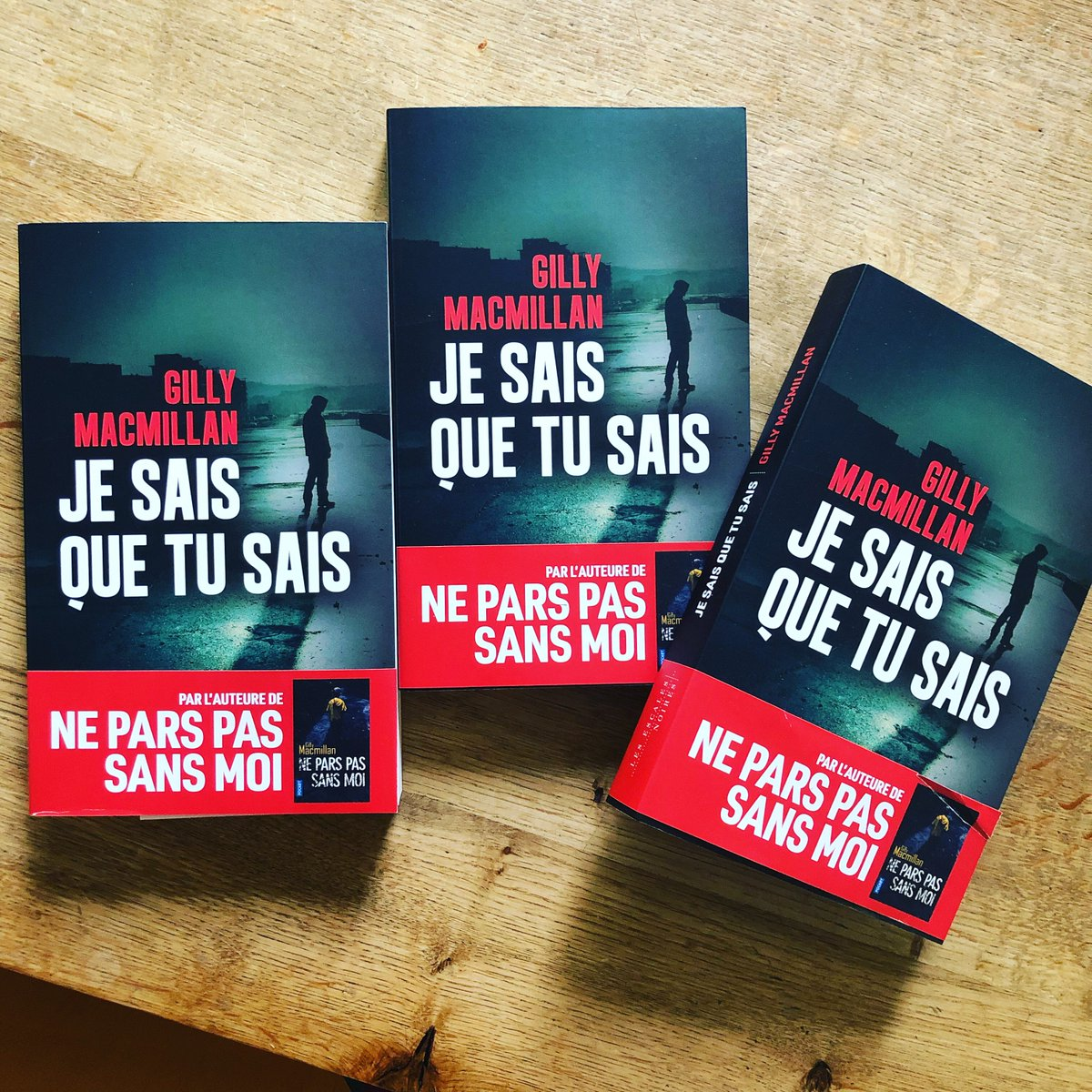 Wonderful French editions of @GillyMacmillan #IKnowYouKnow published by @LesEscales