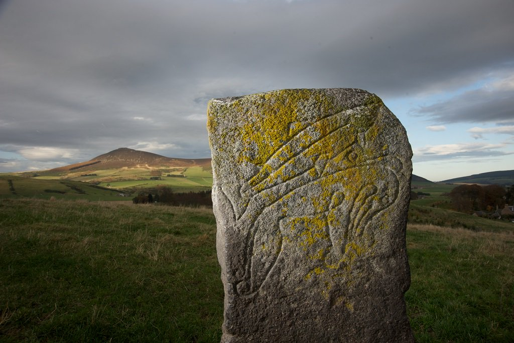 This Local & Community History month we look back at an #HESSupportd project in Rhynie Aberdeenshire, where a focus on archaeology in the local area revealed evidence of an ancient pictish royal centre See blog here: ow.ly/TTa450ugmmr