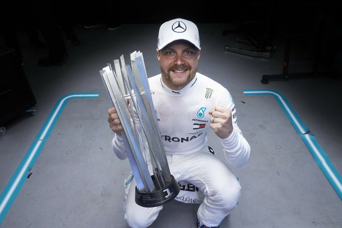 Have you got that #FridayFeeling? Get into the spirit with @ValtteriBottas celebrating his #AzerbaijanGP win 🏆 #UBSF1