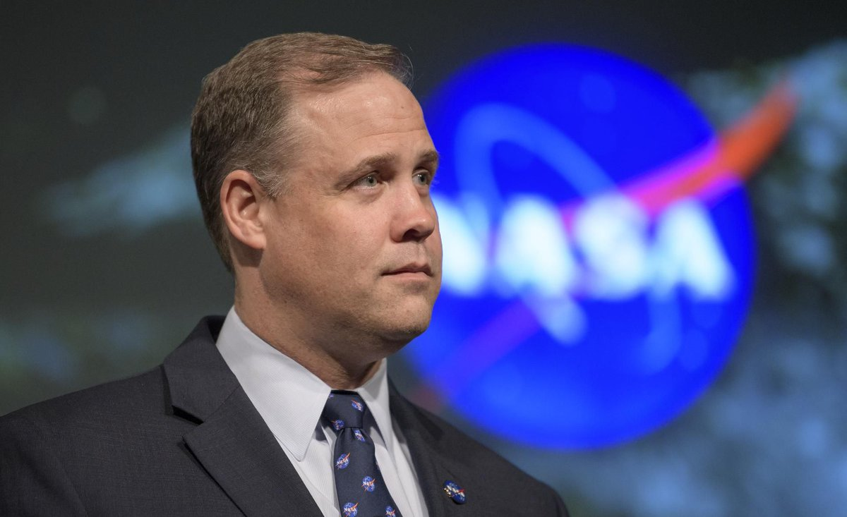 I had a nice conversation with NASA administrator Jim Bridenstine this week, talking all things Artemis and the feasibility of the program. One fun new thing: the name EM-1 is dead; it's Artemis 1 now. theverge.com/2019/5/17/1862…