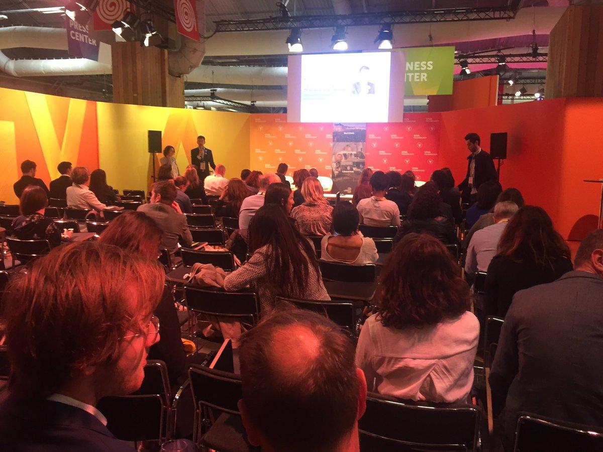 🔝Workshop #WomenInTech avec @MagneticBx et @LesPremieresNA 'On ne compte que 9% de femmes fondatrices de startup tech, cela doit évoluer'! Bdx Technowest accompagne pleins de startup fondée par des #femmes ! Démonstration en live avec @INDRICKS_ et @delfox_net 💪🏼@VivaTech