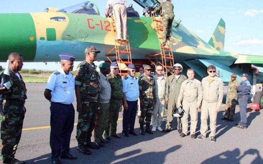 الدفعه الاولى من مقاتلات SU-30K في الطريق الى انغولا D6x_dl-XsAApfYM