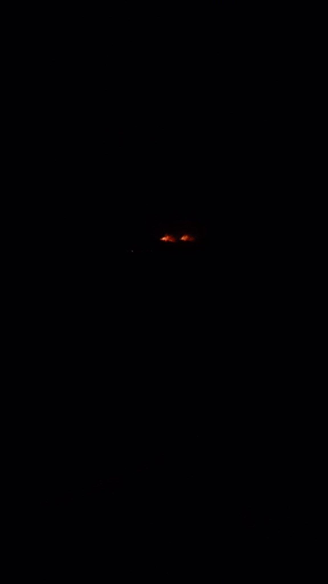 画像,土居町天満で林野火災発生中 https://t.co/rY03QwWhhl。