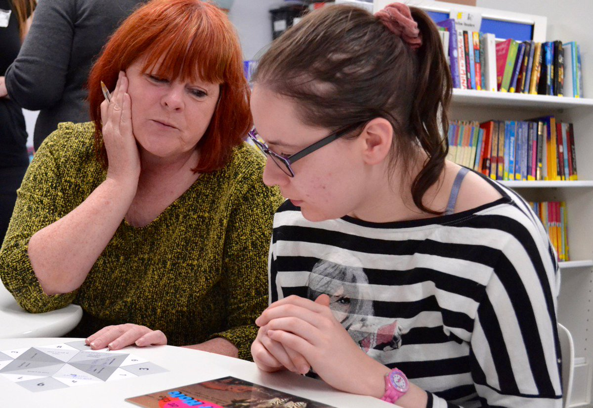 Our library ran a #MentalHealthAwarenessWeek drop-in session this afternoon where students created chatterboxes with activities to do when you feel anxious. They decided an a variety of things inc #Singing #Dancing #Reading #Drawing ...