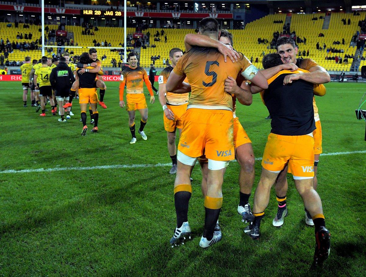 #Rugby #HURvJAG ¡Venga ese abrazo! Los #Jaguares y su mayor éxito ante una franquicia neozelandesa desde que se produjo su ingreso al #SuperRugby >> http://bit.ly/2w5hQIt