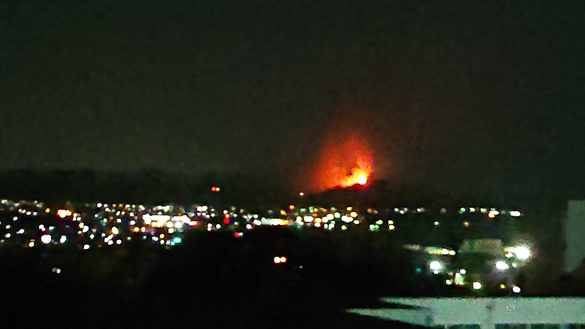 画像,土居の天満の山火事?が三島からも見える https://t.co/oXi6r70O1G。