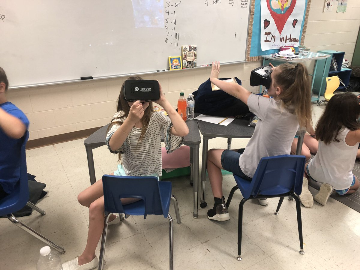 Today we used VR goggles to visit outer space, under the ocean, and Googleplex! @ElemRob #robinsonisd