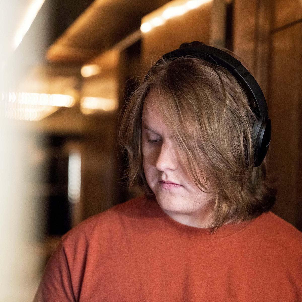 This is not a drill! @LewisCapaldi's debut album 'Divinely Uninspired to a Hellish Extent' is finally here. Click to listen: https://bose.life/2VwhXa3