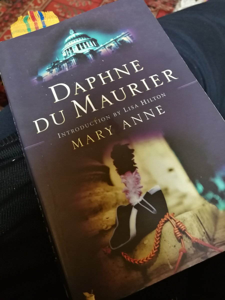 My #FridayReads is Mary Anne by Daphne Du Maurier for #DDMreadingweek.<br>http://pic.twitter.com/wVsmCxdSYY