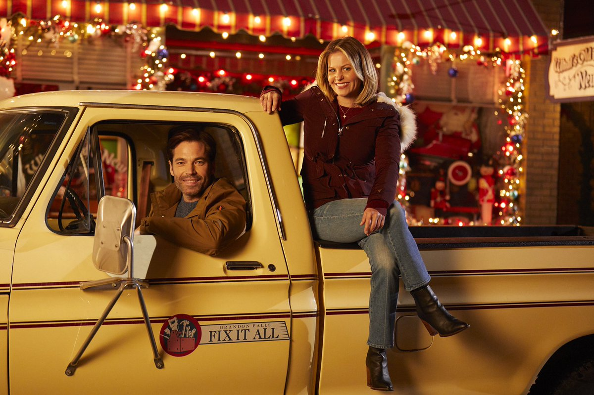 Too early to start the countdown to Christmas? @hallmarkchannel @candacecbure #Christmastown<br>http://pic.twitter.com/GBOD8fTeGe