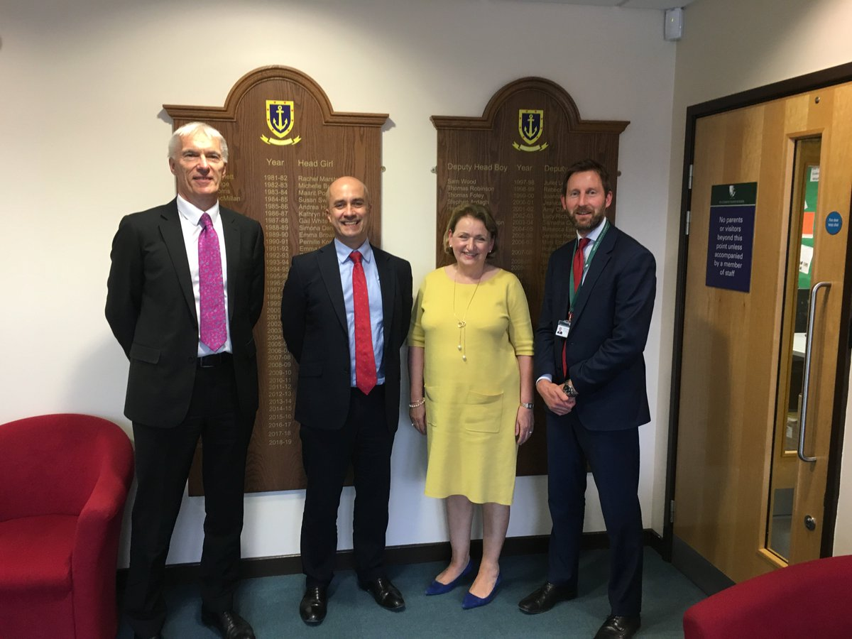 A visit from @RSC_SESL Dominic Herrington and @RSC_NWLSC Martin Post today allowed us to show off one of our fantastic schools and discuss plans for our growing Trust. https://t.co/vXMYm6TQe9