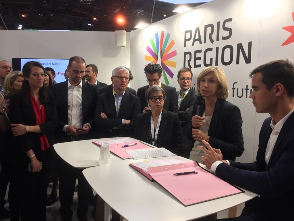 🖊Bravo @RATPgroup & @nicolashazard d'@inco_group qui pilote notre réseau d'#incubateurs francophones #SPRINT spécialisé ds l'innovation sociale & environnementale pr la signature d'un partenariat aujourd'hui à #VivaTech. 🚌10 start-ups de la mobilité intégreront le programme 🔝