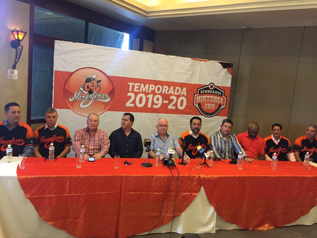 Vinicio Castilla anunció su cuerpo técnico para la temporada 2019-2020 con @ClubNaranjeros en @LMPbeisbol Destacan (coach):Gerónimo GilErubiel DurazoJosé L. 'Borrego' SandovalElmer DessensMás información:#RadioFórmula 91.5 | 2:30 pmhttp://www.gradanorte.mx