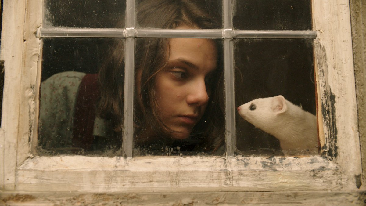 Lyra et Pan dans His dark materials (série HBO)