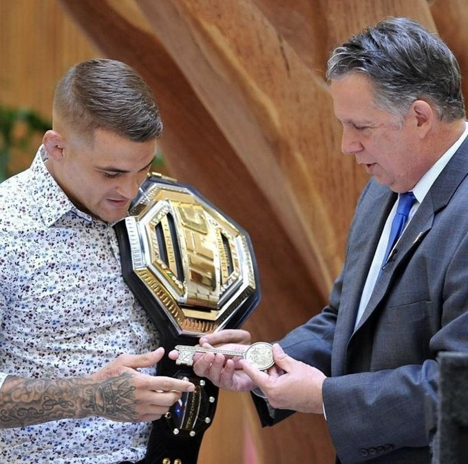 #UFC236 champions headed home this week:  🏆 @DustinPoirier received a key to Lafayette, Louisiana!  🏆 @Stylebender returned to his childhood school in Ni