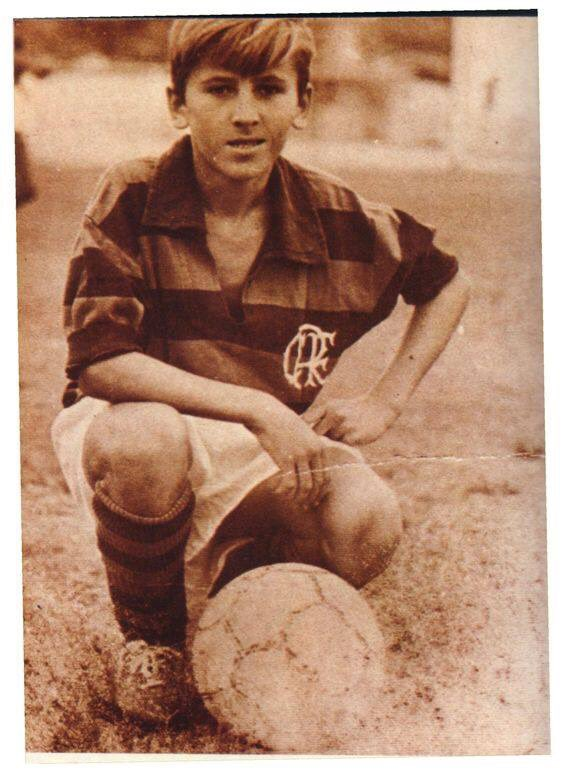 FOTOS HISTORICAS O CHULAS  DE FUTBOL - Página 9 D6yZ5KAWwAEkzDt