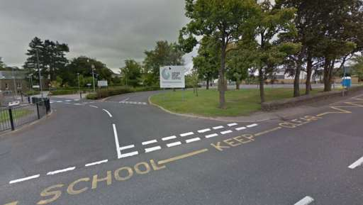 South Yorkshire headteacher refutes Facebook reports that school children are drugged off their faces:bbc.in/2VPSwpi